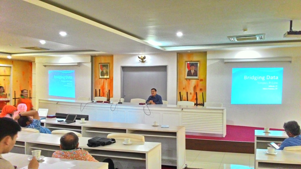 Raharjo mempresentasikan proses implementasi bridging Simpus - PCare